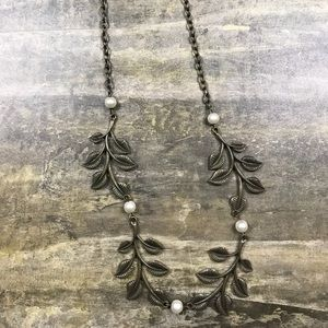 Plunder Designs Norah necklace